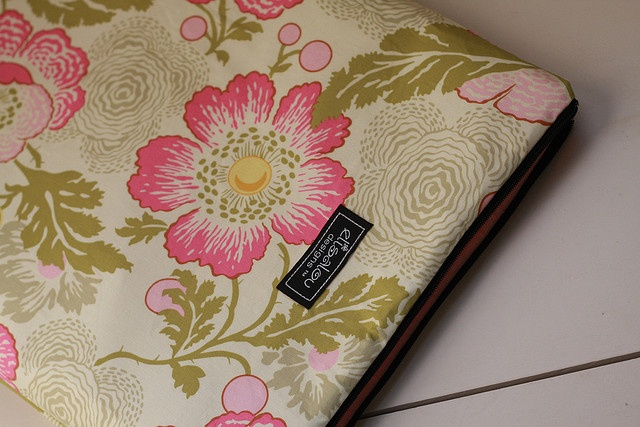 Poppies Laptop Sleeve. Laptops are expensive but very mobile and usefull...