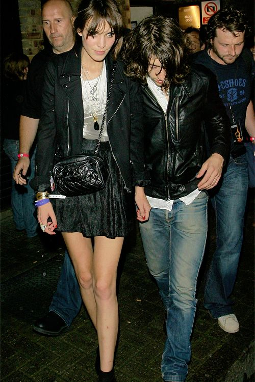 alexanderandalexa:Alexa Chung and Alex Turner leaving the Brixton 02 Academy after an Arctic Monkeys gig (26 August, 2009)
