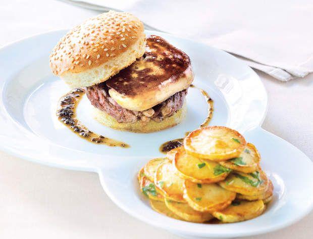 Le burger de foie gras de canardDécouvrez la recette du burger de foie gras de canard.
