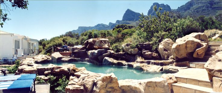 Amazing rock replication of Table Mountain sandstone. The 'Mountain Pool' at the Twelve Apostles Hotel.