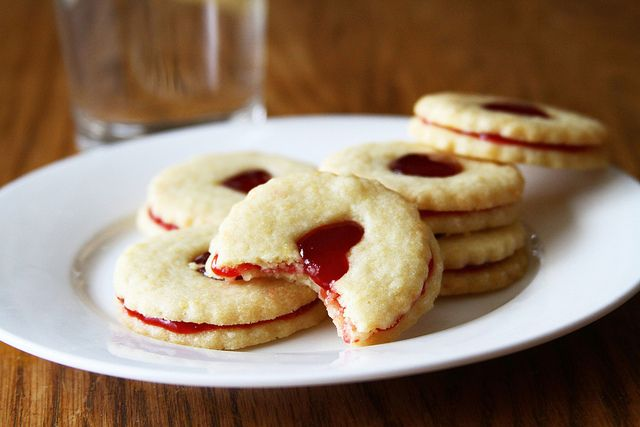 Homemade Jammie Dodgers - 4 by Sugarcrafter, via Flickr