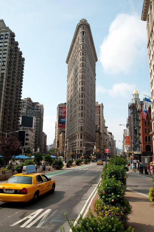 Флэтайрон-билдинг – дом-утюг на Манхеттене.  #строительство #Манхеттен #США