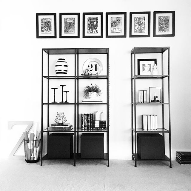 Instagram @grayglow | Shelfie | Shelf styling | Shelf decor | Home decor | Nordic decor | Nordic inspiration | Black and white | Modern decor | IKEA Vittsjö shelves | Comic Books | Nerd decor