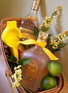 Gift Idea – Margarita Basket ~ now that's the kind of gift I'd like to receive!! And they say you should give a gift that you yourself would like to receive. Gift basket Ideas #giftbasketideas #giftbaskets
