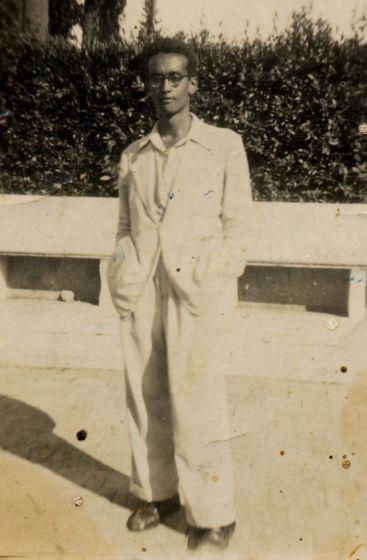 4 maggio 1945. Val di Fiemme. Tra i cadaveri dell'ultima strage nazista sul territorio italiano, viene trovato il corpo di un ragazzo di colore. Ha sulla pelle il marchio del lager di Bolzano. Molti pensano si tratti di un soldato inglese.
