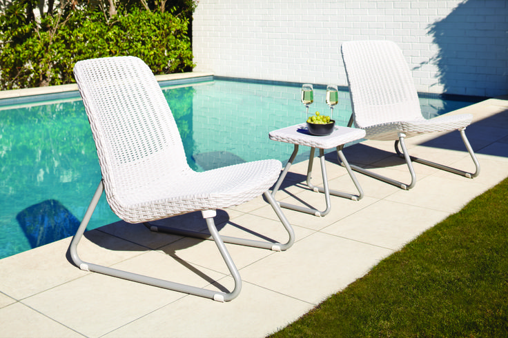 The Rio 3 Piece Outdoor Patio Setting is ideal for smaller outdoor spaces or the batch. The setting is comfortable and durable featuring a 7mm double weave.