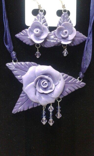 Collana e orecchini in porcellana fredda