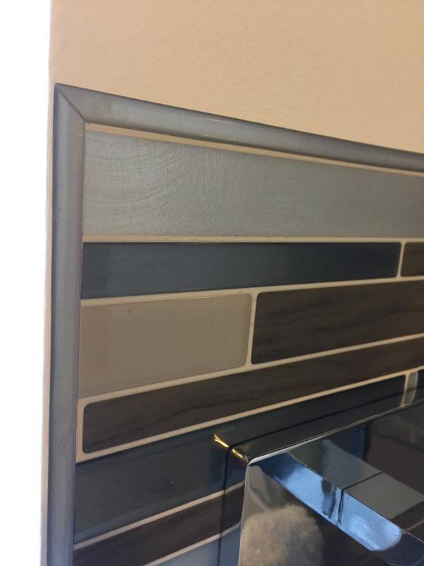 J Ai Utilise Les Smart Edge Autour Des Smart Tiles Dans Le Haut Et Dans Le Bas En Plus De Les Utiliser C Carrelage Mural Adhesif Smart Tiles Carrelage Mural