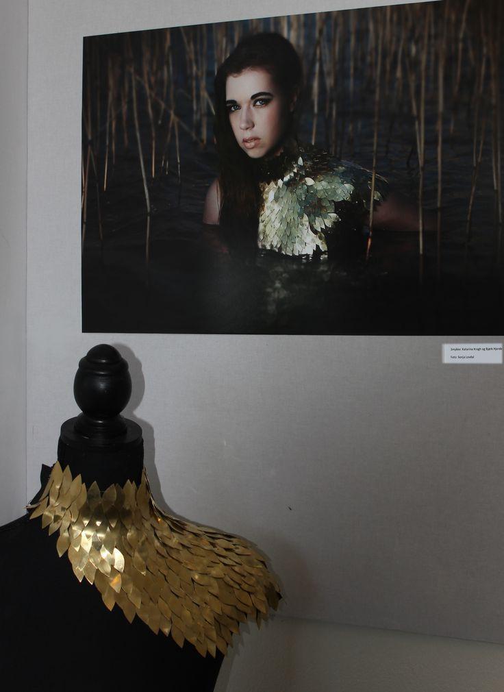 Kropssmykke og tværfagligt projekt Smykke Björk Heide og Katarina Krogh Nielsen, Foto Sonja Lovdal, Makeup Mie Sabro Bøgholm