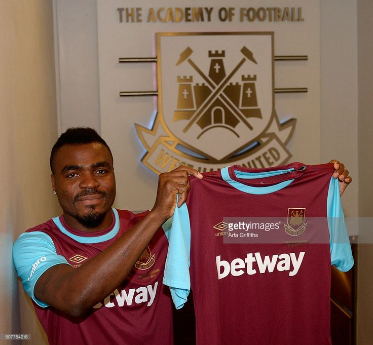 Emmanuel Emenike signs a loan deal with a view to a permanaent deal at West Ham United at Boleyn Ground on January 31, 2016 in London, England.  (Photo by Arfa Griffiths/West Ham United via Getty Images)