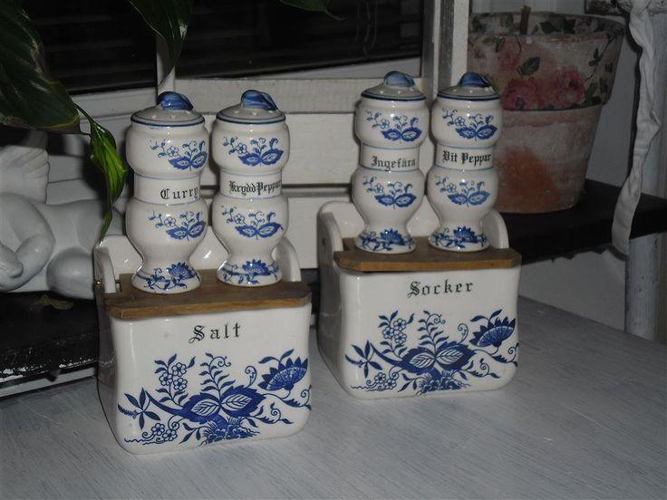 Annons på Tradera: Äldre söta kryddburkar med lock i teak  i lantlig stil retro