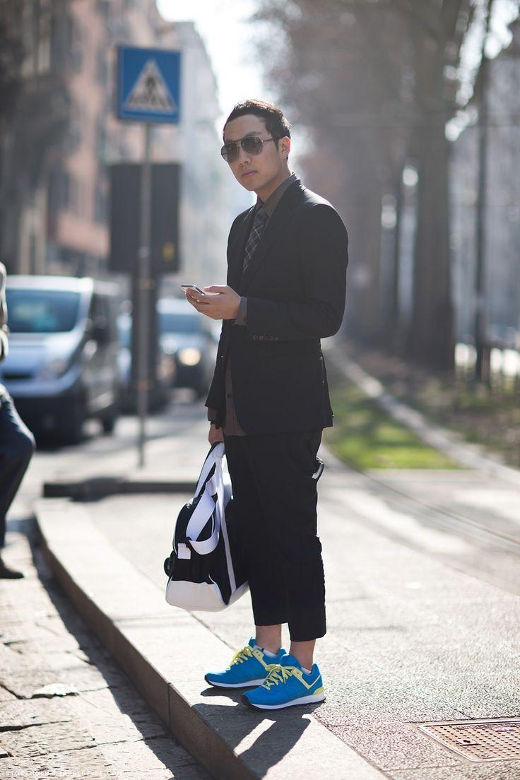 Un urban #look con #bolso y #sneakers para #hombre puede funcionar.