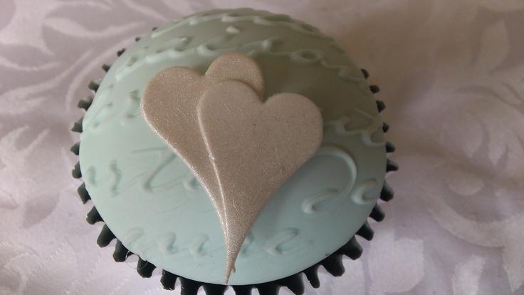 Silver hearts cupcake by Cupcakes à la carte