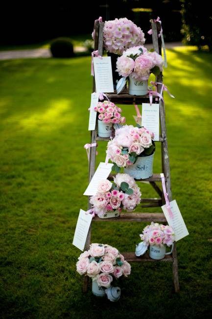 organiser son mariage dans le 78, plan de table escabeau, vintage, champêtre Fanny Dion, A Fleur et à Mesure www.mariagedanslair.fr