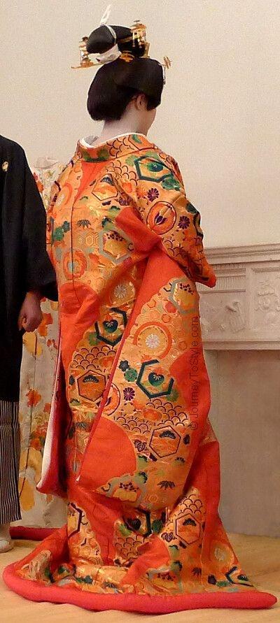Uchikake kimono