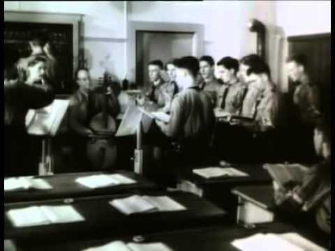 Arquitetura da Destruição está consagrado internacionalmente como um dos melhores estudos já feitos sobre o nazismo no cinema. O filme de Peter Cohen lembra ...