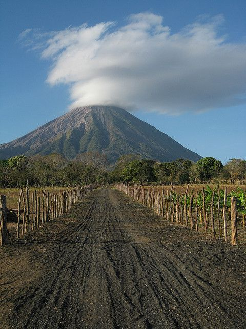 Volcan Concepcion from Charco Verde, Nicaragua (by folkmonster).