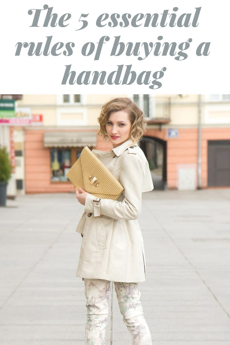 Read these top handbag tips before you go out in search of the perfect handbags for every occasion. #handbags #clutchbag #womensfashion