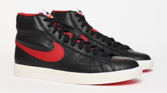 Nike Blazer Vintage Leather - Black / Red: Man Styles, Fashion Dig, Men'S Shoes, Blazers Vintage, Nike Blazers, Men'S Styles, Nikes Blazers, Nikes Sneakers, Clothing Idea