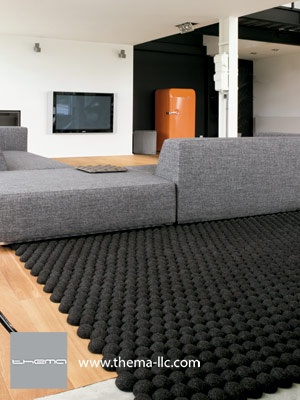 DOTS floor rug