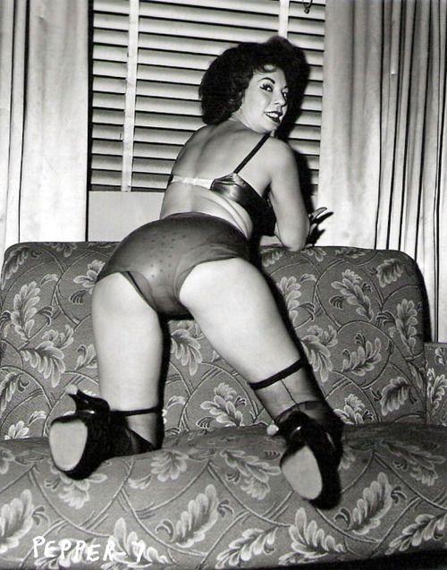 lezzies vintage lingerie fetish