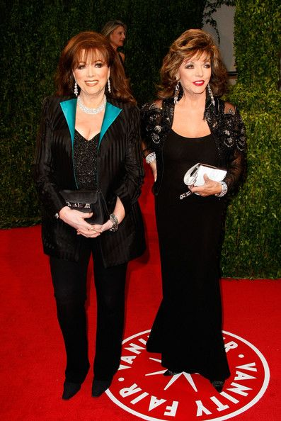Joan Collins and Jackie Collins Photo - Vanity Fair Oscar Party Hosted By Graydon Carter - Arrivals