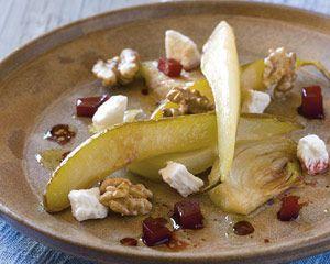 Lauwe salade van gebakken peer met truffelhoning, venkel, rode biet en geitenkaas