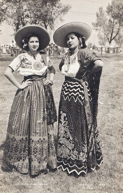 "Mexican ""adelitas"". #VintageMexico #LoveMexico http://gotomexico.co.uk/"