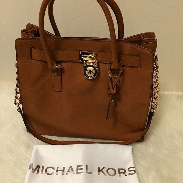 "Michael Kors Handbags <a href=""/search/?q=%23Michael"" class=""pintag searchlink"" title=""#Michael search Pinterest"" rel=""nofollow"" data-query=""%23Michael"" data-type=""hashtag"">#Michael</a> <a href=""/search/?q=%23Kors"" class=""pintag searchlink"" title=""#Kors search Pinterest"" rel=""nofollow"" data-query=""%23Kors"" data-type=""hashtag"">#Kors</a> <a href=""/explore/Handbags/"" class=""pintag"" title=""#Handbags explore Pinterest"">#Handbags</a> Free shipping and free returns always…"