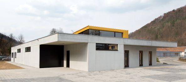 Nüchternheit in Beton  - Bestattungshaus in Oberndorf am Neckar