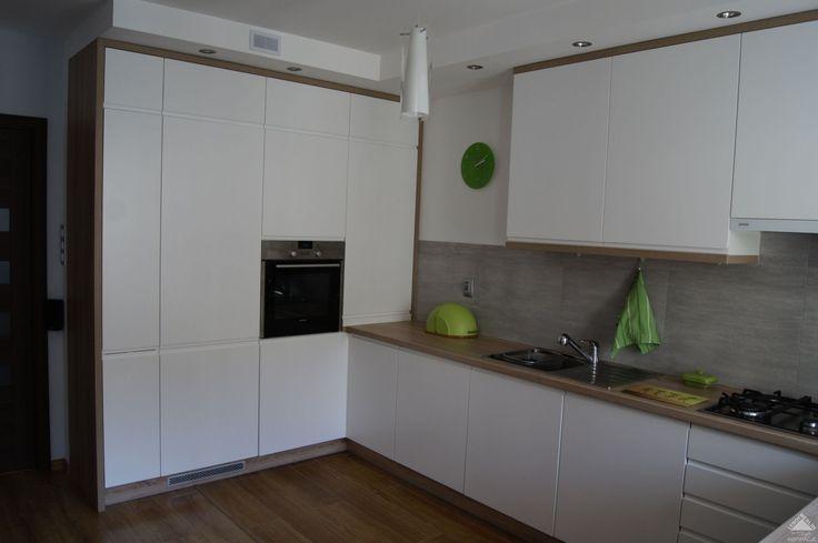 sufit podwieszany w kuchni nad szafkami  Szukaj w Google  salon wykończenie