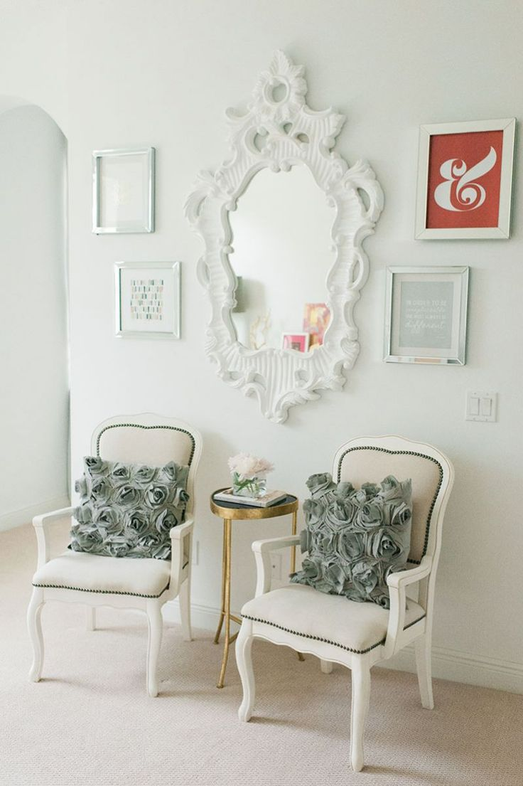 Romantic regency style seating area || Beth Aschenbach's Palm Beach Home Tour #theeverygirl #hometour