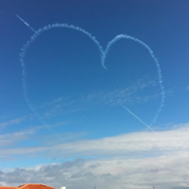 Red arrows at GNR 2011
