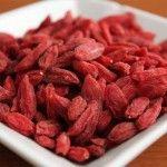 Το Goji Berry που σημαίνει το μούρο της ευτυχίας, είναι φυτό γνωστό  εδώ και αιώνες στην Κίνα και στο Θιβέτ ενώ πρόσφατα άρχισε να  καλλιεργ...