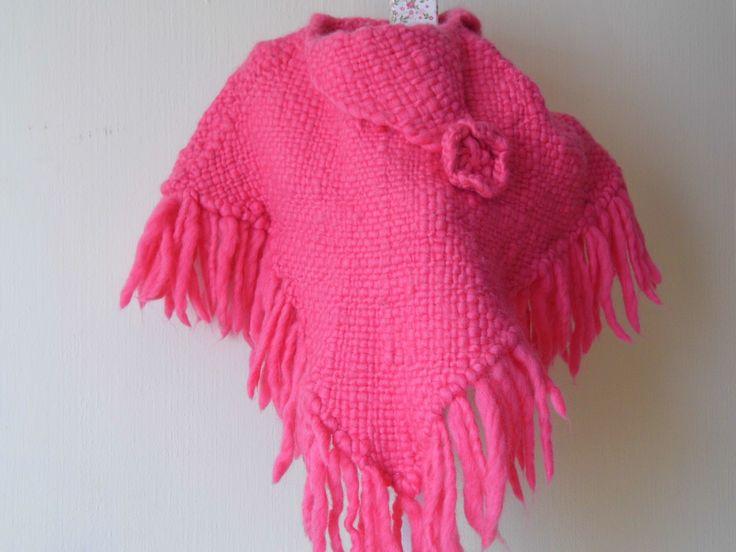 poncho niña tejido a telar en lana rueca