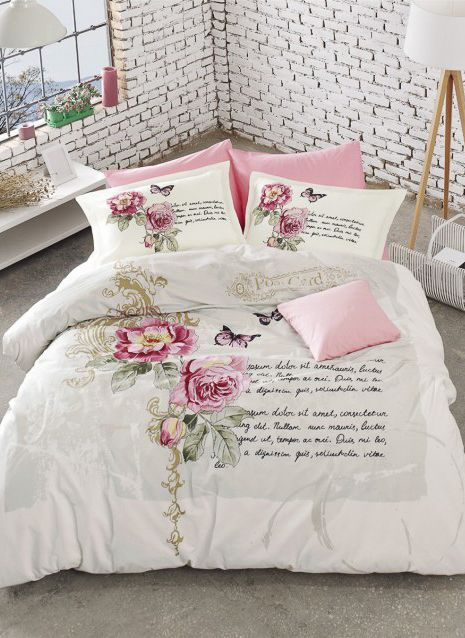 Постельное белье в розовых тонах с цветами и письмом