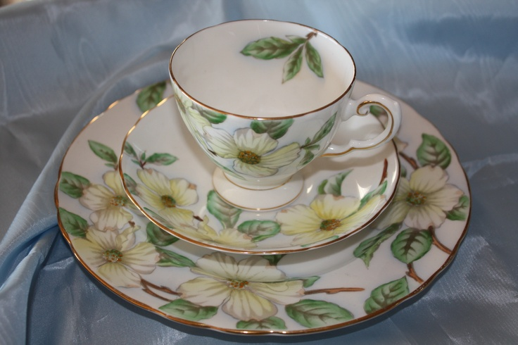 Dogwood china pattern by Tuscan of England.  Gorgeous hand embellishing!  Quintessential of our beautiful provincial flower!