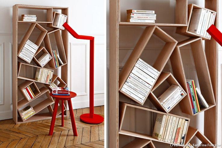 Fabriquer une bibliothèque pêle-mêle avec des planches de contreplaqué.