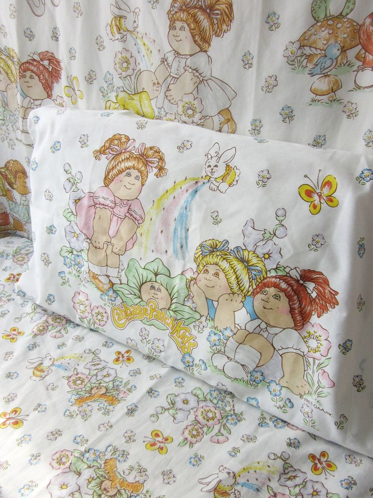 Vintage Cabbage Patch Kids Twin Sheet Set by NostalgiaMama - kids bed were done up in CPK :)