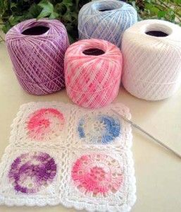 vintage wheel square in thread...I never think to use thread for grannies.  This is pretty...