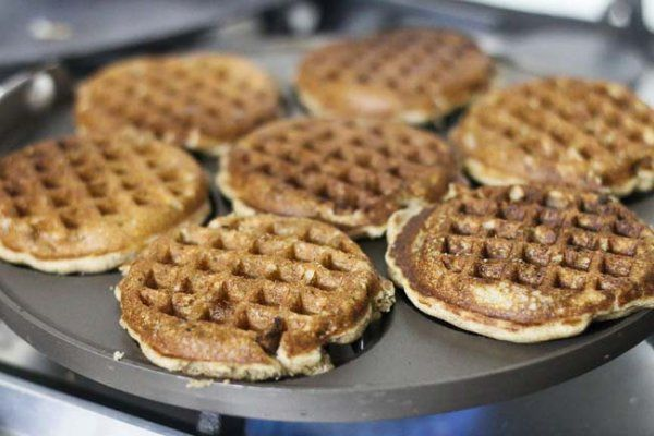 Multigrain Griddle Pan Waffles with Nutella | Egg and Eggless Recipe