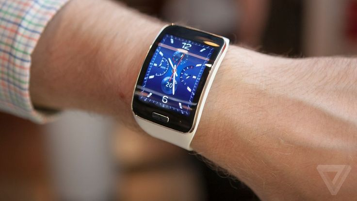 Samsung Gear S: wearing the most powerful smartwatch yet This.
