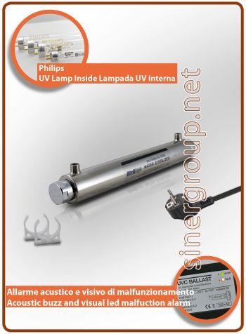 """UltraRays sistema UV Completo 25W. 1/2"""" M.  Costruito in corpo in acciaio Inox AISI 304, il sistema è compreso di clip per il fissaggio. * Pressione massima di esercizio: 10bar (145psi) * Radiazione ultravioletta: 30.000 W/cm2 * Portata acqua filtrata: 19 LT/MIN. (5 GPM) * Portata acqua osmotizzata: 22,66 LT/MIN. (5,98 GPM) * Alimentazione: 220-240V 50/60Hz 0,11A * Ratio alimentazione: 32W. * Philips vita media della lampada: 9.000h. - max. 1 anno * Dimensioni (mm.): L. 507 x Ø 64"""
