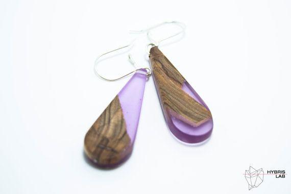 Ehi, ho trovato questa fantastica inserzione di Etsy su https://www.etsy.com/it/listing/452076218/orecchini-in-resina-e-legno-resina-viola