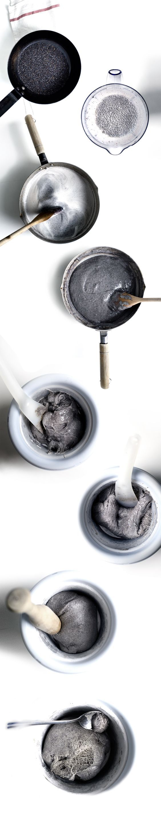 Have you ever seen a more classy ice cream color? Black Mochi Ice Cream looks beyond sophisticated! | Lady & Pups food blog