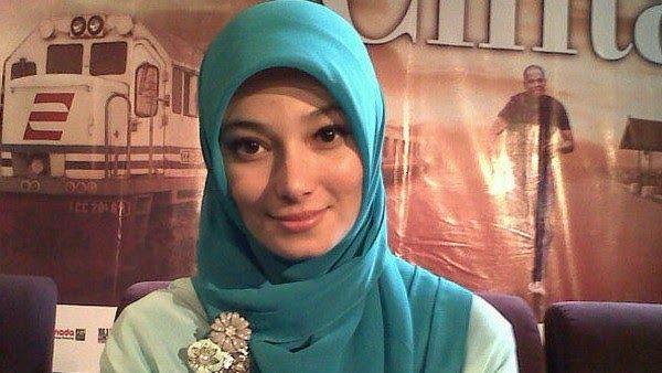 6 Artis Wanita Indonesia Ini Murtad Dari Islam, Ini Sebab nya