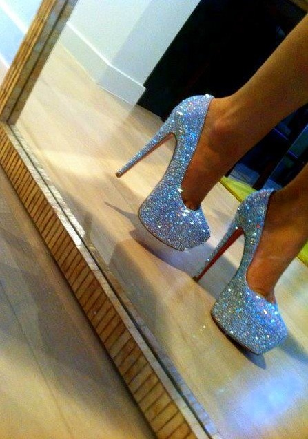 Amaze.Sparkly Heels, Wedding Shoes, Sparkly Shoes, Glitter Shoes, High Heels, Something Blue, Christian Louboutin, Glitter Heels, Christianlouboutin