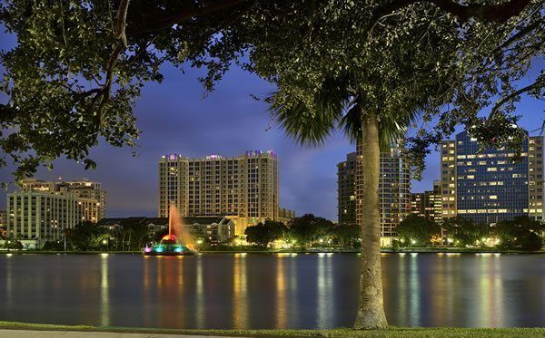 40 Downtown Orlando Date Night Ideas - http://www.orlandodatenightguide.com/2016/08/40-downtown-orlando-date-night-ideas/