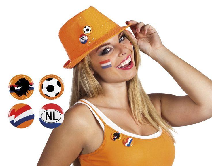 Deze buttons maken jouw outfit voor Koningsdag af! Bekijk onze website voor nog veel meer oranje spullen!