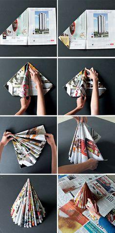 On vous propose une décoration de Noël à faire en recyclant ses emballages ! Découvrez toutes les explications pour fabriquer un sapin de Noël en papier recyclé.